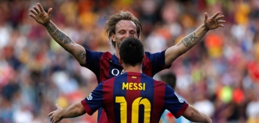 Barca teško svladala Valenciju, Messijev 400. gol