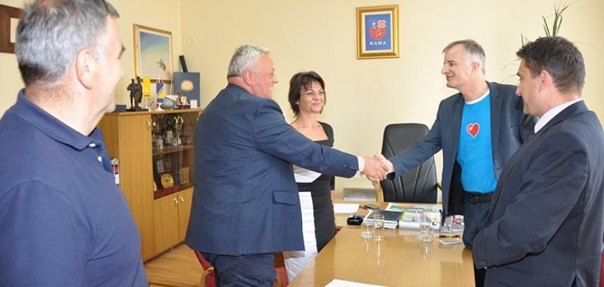 Potpisan Ugovor za Izgradnju kanalizacijski kolektora i rekonstrukcija vodovodne mreže u Prozoru
