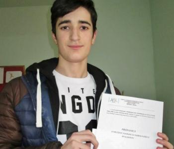 """Luka Lovrić nagrađen za najbolji esej na temu """"Invaliditet"""""""