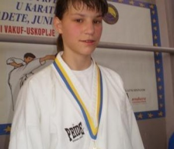 "DelfinaTadić ""zlatna"" na karate turniru "" AUSTRIAN JUNIOR OPEN 2014"""