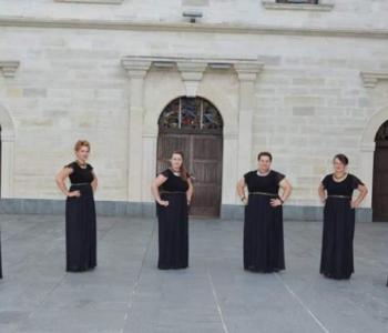 Vokalna skupina Arabella nastupa na festivalu Klape Gospi Sinjskoj