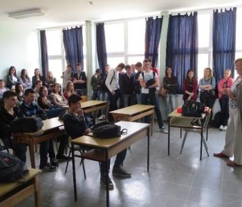 """U Srednjoj školi u Prozoru održano stručno predavanje na temu """"Zdravim životom protiv ovisnosti"""""""