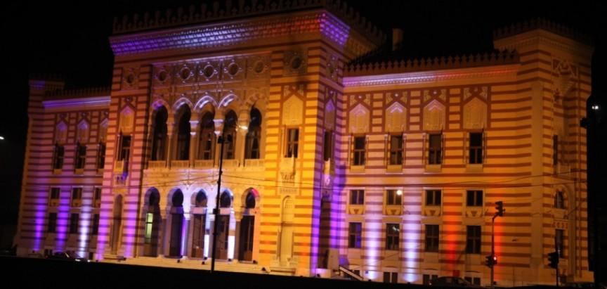 Sarajevska Vijećnica u bojama zastave Francuske