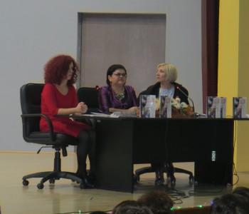"""U Prozoru promovirana knjiga """"Mladost u bezdanima jave i sna"""" Vernese Manov"""