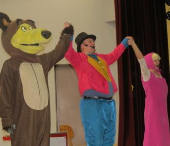 """Mališani uživali u predstavi """"Maša i medvjed"""""""
