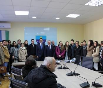 Vlada HNŽ- Potpisani ugovori o stipendiranju