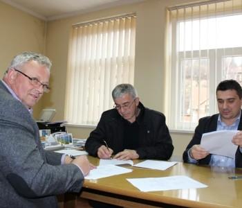 Potpisan ugovor za izgradnju vodovoda u naselju Gračac
