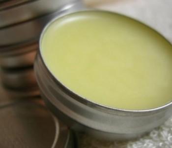Vazelin: najkorisniji i najjeftiniji kozmetički preparat