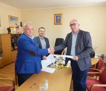 Potpisani ugovori za asfaltiranje putova u općini Prozor-Rama