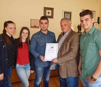 """Maturanti Srednje škole """"Prozor"""" zahvalili načelniku općine za dosadašnju potporu"""