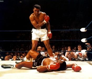 Umro slavni boksač Muhamed Ali