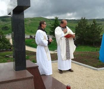 Blagoslovljena kapelica i spomenik u Zvirnjači