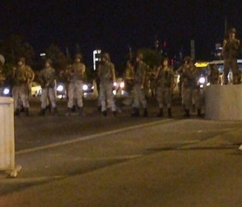 Turska: Vojska izvela državni udar, blokirane strateške točke u većim gradovima