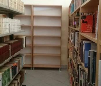 "Narodna knjižnica ""Rama"" dobila nove police za knjige"