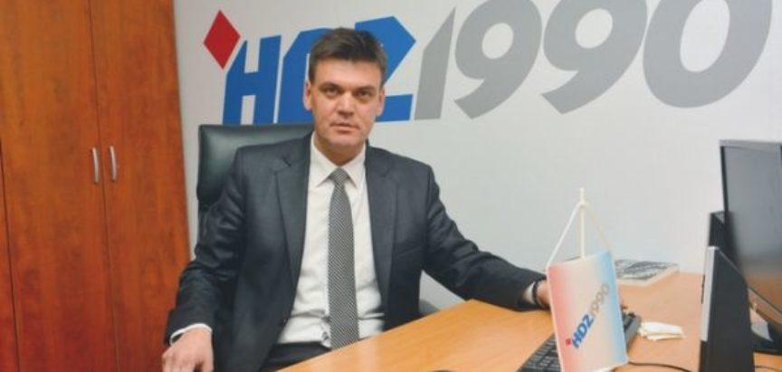 """Ilija Cvitanović:  """"Zavadi pa vladaj""""  –  opet prisutno u našem društvu"""