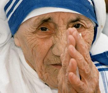Papa Franjo proglasio Majku Terezu sveticom