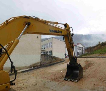 FOTO: Uređenje oko Srednje škole Prozor