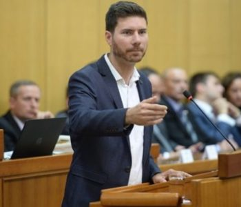 Saborska atrakcija: Ivan Pernar oduševljava hrvatsku javnost