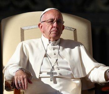 Papa Franjo omogućio svećenicima da daju oprost za pobačaje