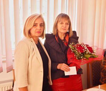 Foto: Srednja škola Prozor svečano ispratila  u mirovinu prof. Anđelku Antunović
