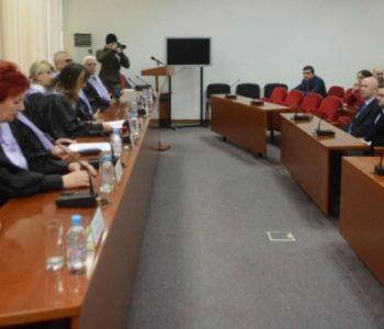 SUD PRESUDIO: Zakon o državnoj službi u FBiH neustavan!