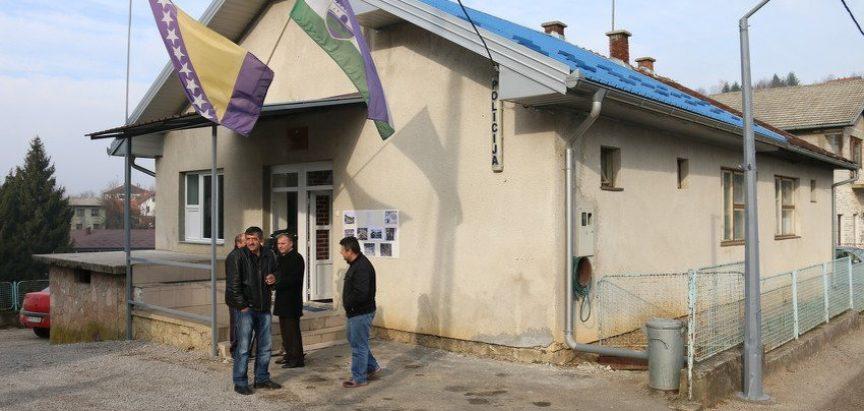 Cazin: Mještani vlastitim donacijama obnovili Policijsku stanicu