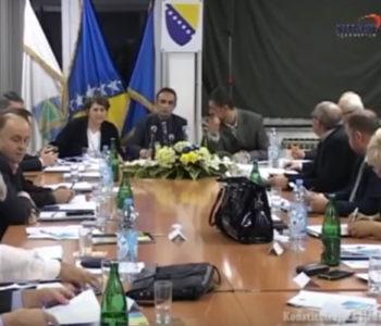 VIDEO: Urnebes na sjednici u BiH – Nepismeni političar postao hit na internetu