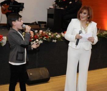FOTO: Marko Bošnjak u duetu s Terezom Kesovijom na Božićnom koncertu u Vitezu