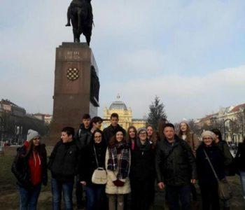 Srednjoškolci iz Prozora na Adventu u Zagrebu