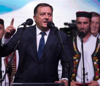 'Televizija RS tvrdi da će na proljeće u BiH izbiti rat, a Dudaković poziva Bošnjake da nabave vojne odore'