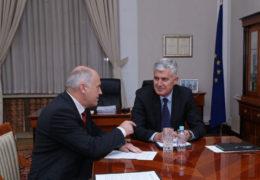 Inzko će Dodika prijaviti Vijeću sigurnosti UN-a jer za RS uporno tvrdi da je država, a što čine politički predstavnici Hrvata?