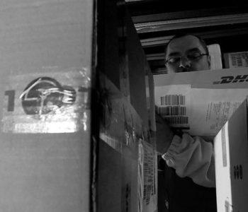 Poštar iz Sarajeva čuvao pošiljku svo vrijeme rata, pa ju isporučio u miru