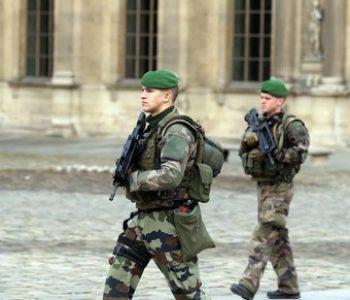Pucnjava ispred Louvrea u Parizu, jedna osoba ranjena