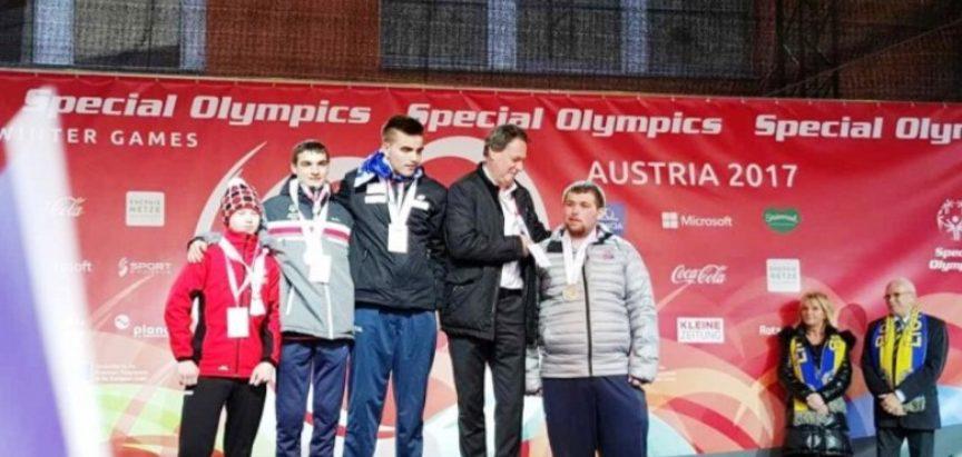 Andrija Radoš iz Rame osvojio prvu zlatnu medalju za BiH na Specijalnim zimskim olimpijskim igrama