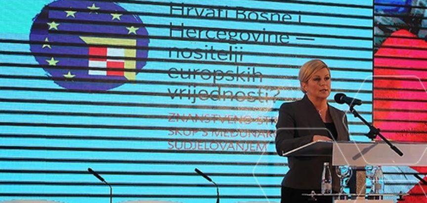 Kolinda Grabar Kitarović na skupu u Neumu