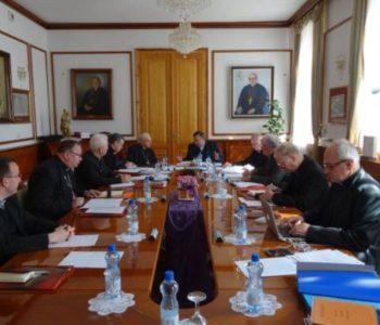 Kardinal Puljić zatražio od biskupa Perića da pozove papu Franju u Mostar