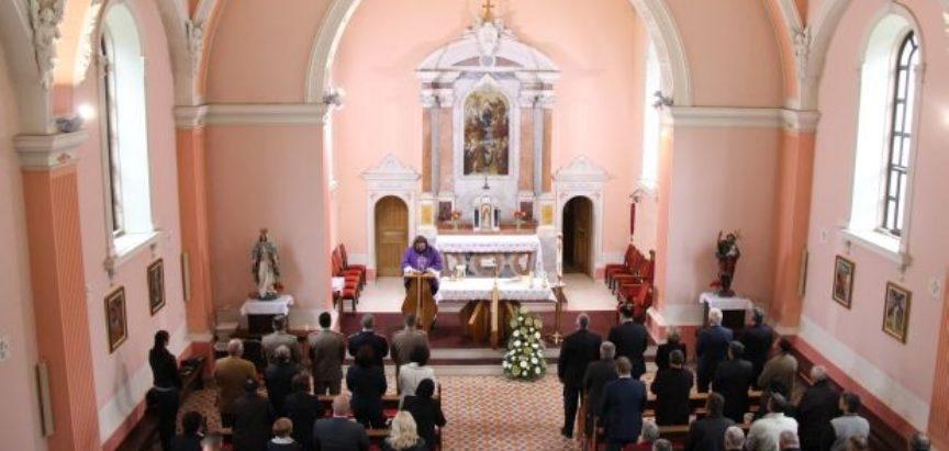 Društvene mreže o donaciji 100 000 maraka crkvi u Livnu: Vratite pare; Nismo slijepi; Ovo je Božje čudo
