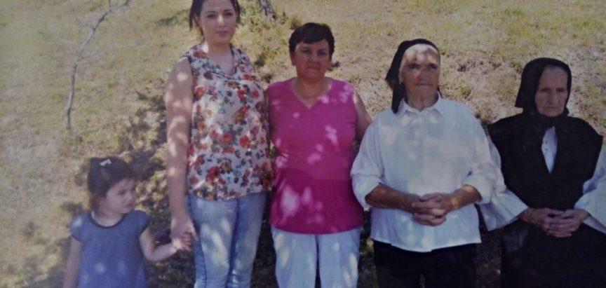 Pet generacija Pilipovićki na jednoj fotografiji