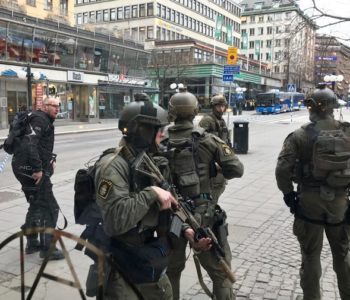 Ukradenim kamionom gazio pješake u Stockholmu: 'Sve upućuje da se radi o terorističkom napadu'