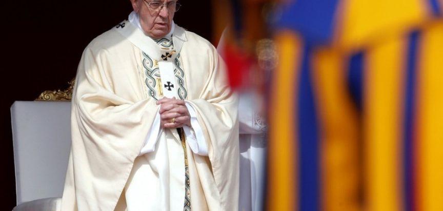 Uskrsna poruka Pape Franje: Neka Gospodin podari mir cijelom Bliskom istoku