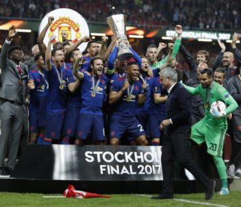 Djeco, dosta je igre: United je uzeo pehar Ajaxovom 'vrtiću'
