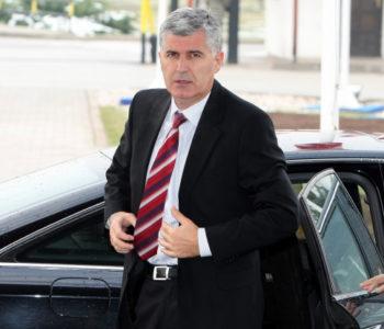 Nervozni Čović zaziva i HVO strahujući od gubitka vlasti