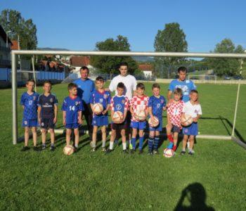 U školu nogometa u Prozoru  upisano 60 djece