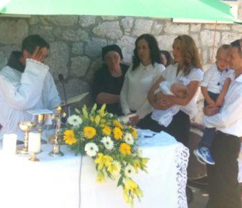 Foto: U Zvirnjači uz proslavu filijalnog patrona Sv. Ante obavljeno i jedno krštenje