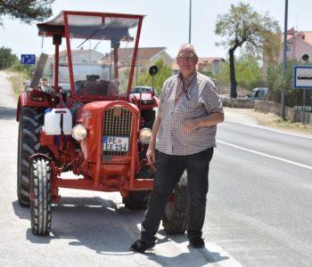 Njemac na godišnji u Hrvatsku stigao traktorom
