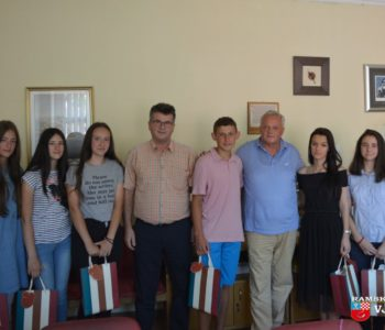 Učenici generacije na prijemu kod načelnika Ivančevića
