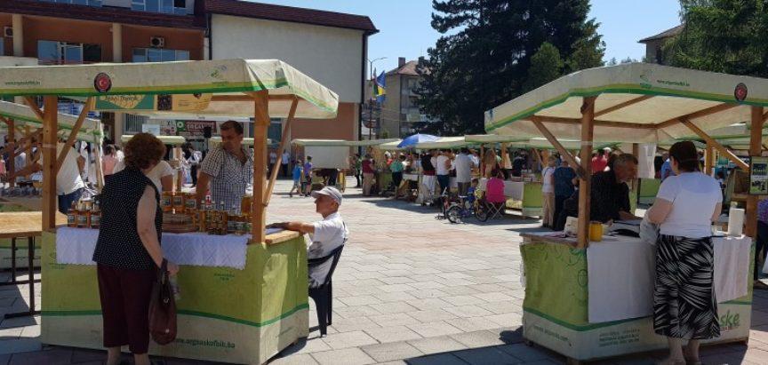 U Novom Travniku otvoren sajam 'Dani maline'