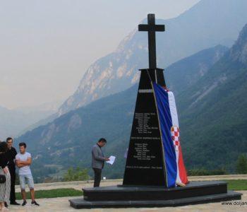 U Doljanima otkriven Spomenik poginulim braniteljima