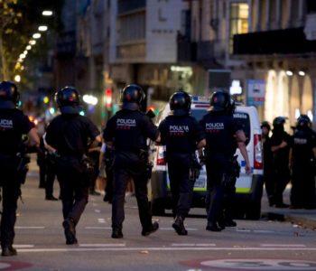 Policija ubila petoricu napadača s eksplozivom, gazili su ljude
