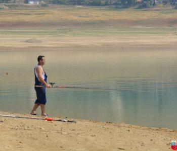 Foto: Brojni ribari  na Ramskom jezeru unatoč niskoj razini vode